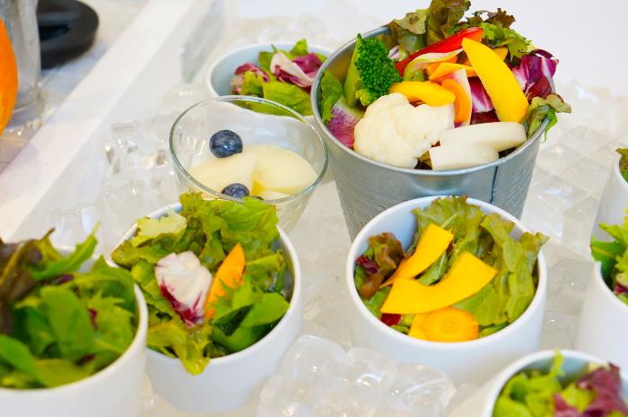 たまな食堂ランチタイムサラダ